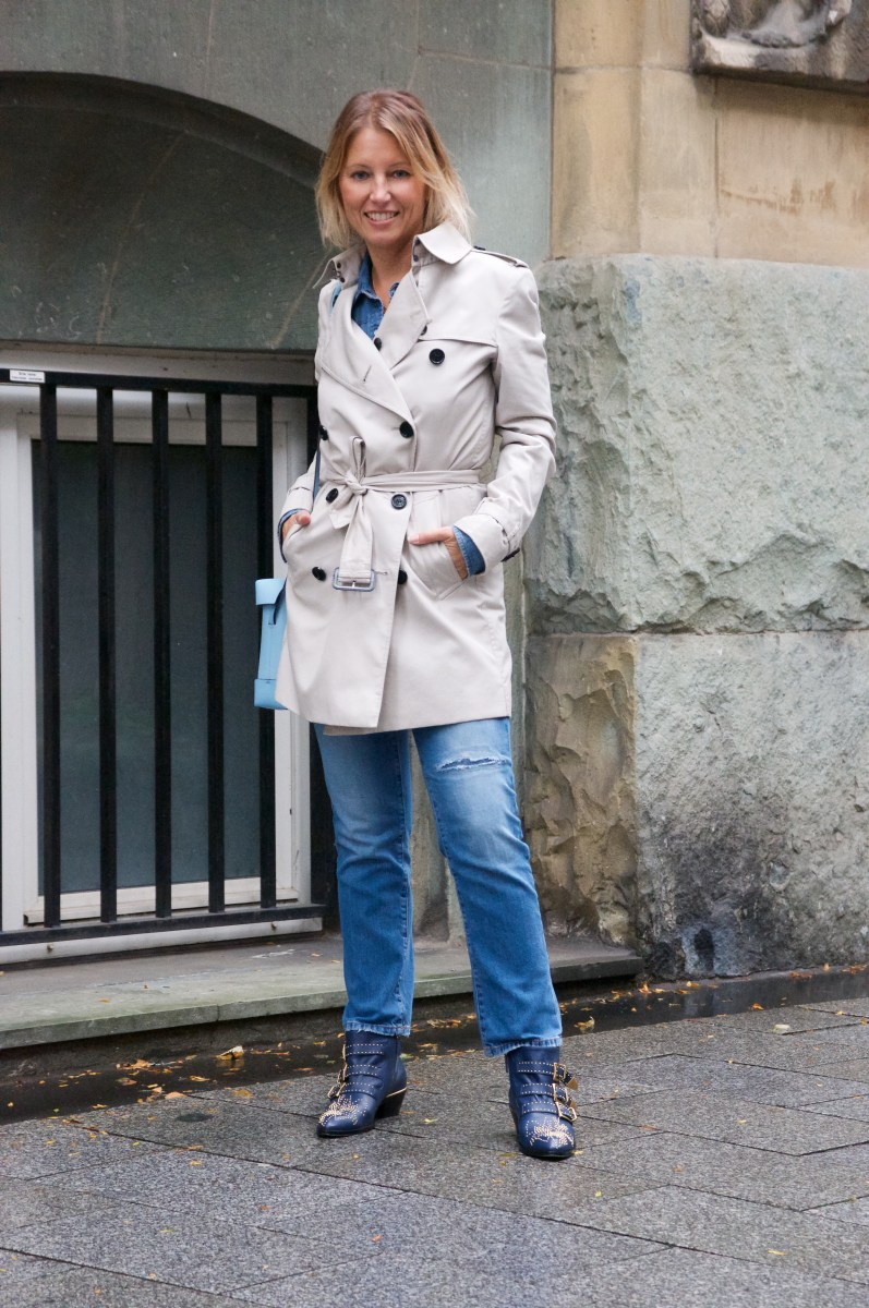 How to style a classic Trench with Chloé Susanna boots
