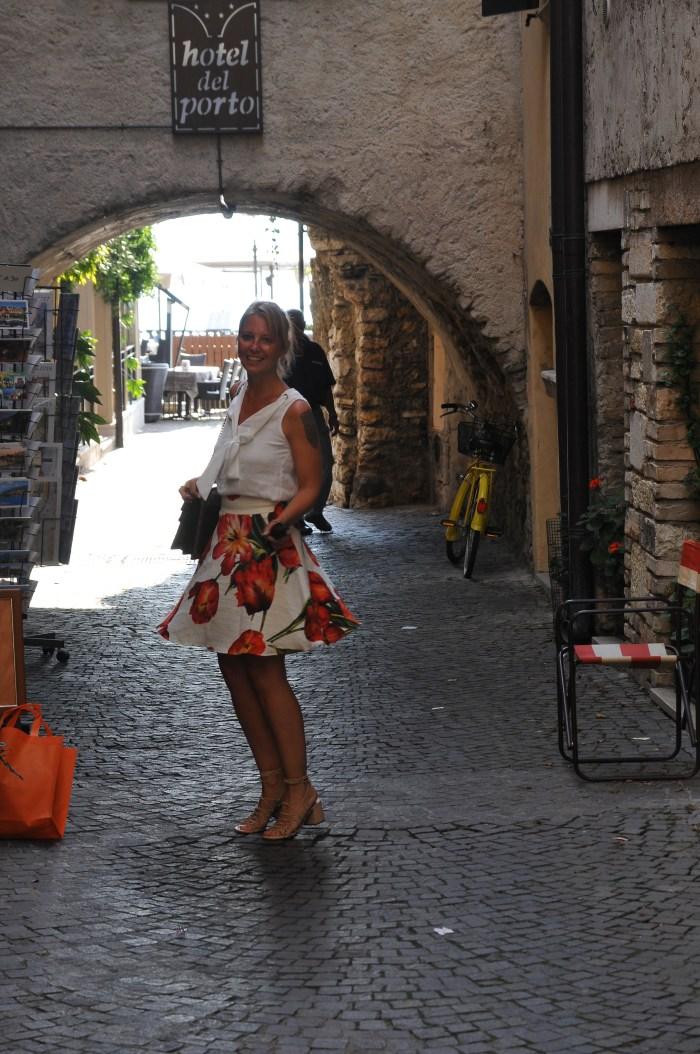 Summer essentials - Dolce e Gabbana skirt - claudinesroom