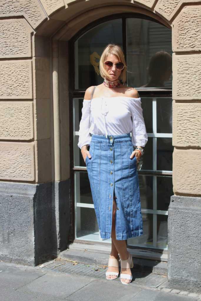 Denim skirt claudinesroom