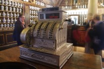 "Un registratore di cassa ""moderno"", ma pur sempre... d'epoca!"