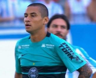 Welington Paulista, reclamou, mas não jogou. Foto GloboEsporte.com/imagem reproduzida da RPC