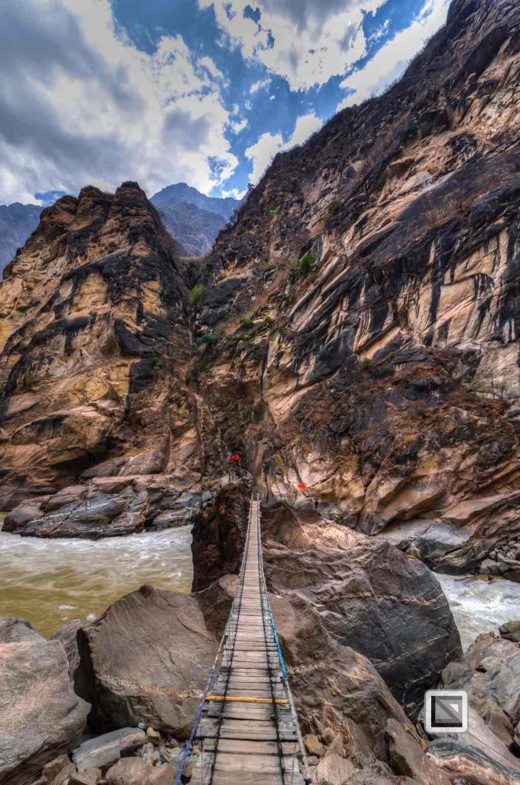China - Yunnan - Tiger Leaping Gorge-19