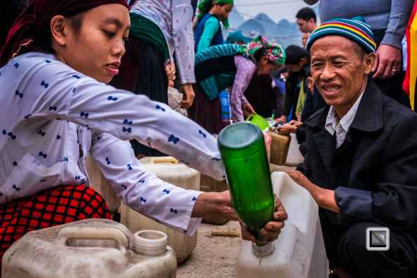 vietnam-ha_giang-dong_van_market-3