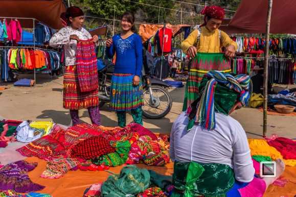vietnam-ha_giang-lung_cu_market-8