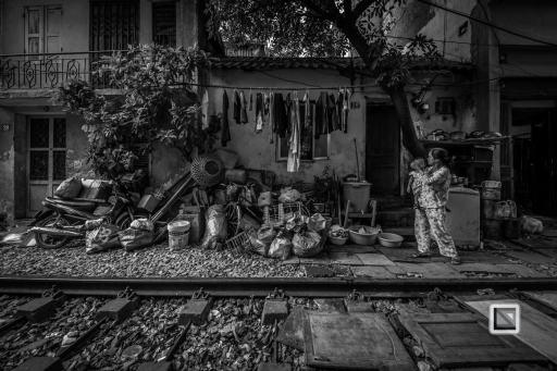 vietnam-hanoi-train_tracks-23-2