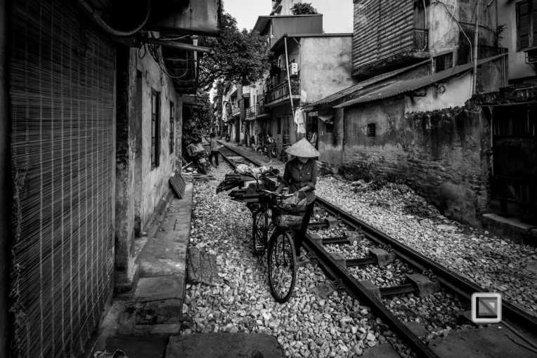 vietnam-hanoi-train_tracks-28-2