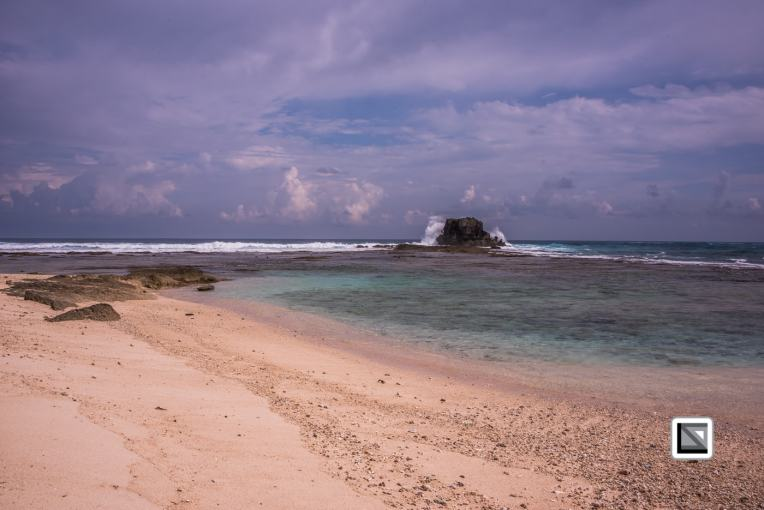 10 days castaway experiment on a deserted island in Indonesia