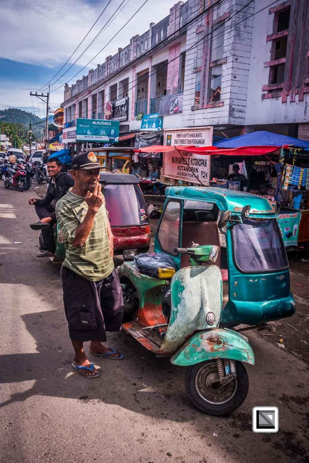 Indonesia-Sumatra-Nopan-VespaParadise-0687