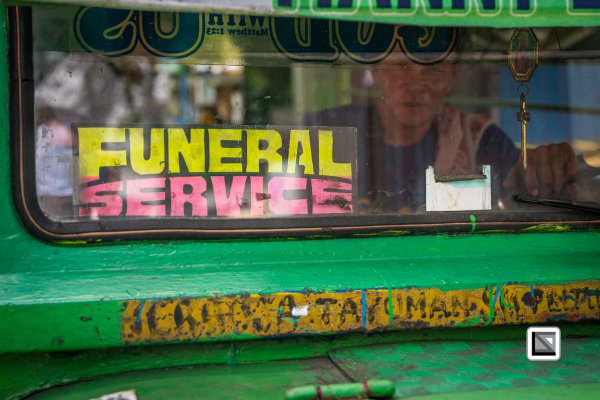 The cemeteries in Metro Manila (Philippines) are often home to not only the dead but also to the living.