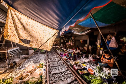 Maeklong Train Market Color-16