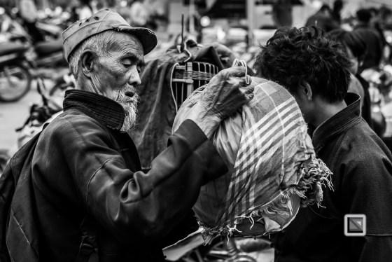 vietnam-ha_giang-dong_van_market-91