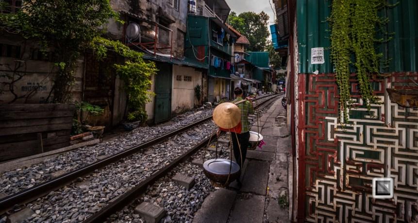 vietnam-hanoi-train_tracks-46