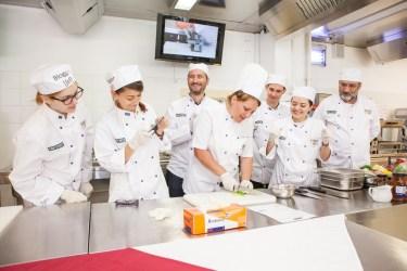 Centrul de Pregatire in Gastronomie-eveniment bloggeri 1