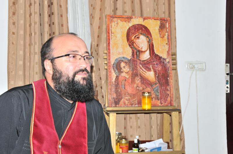 """Părintele Visarion Alexa: """"Maica Domnului e maica noastră"""""""