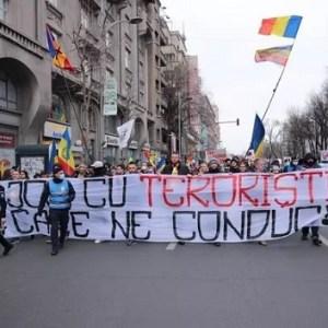 Război total contra românilor