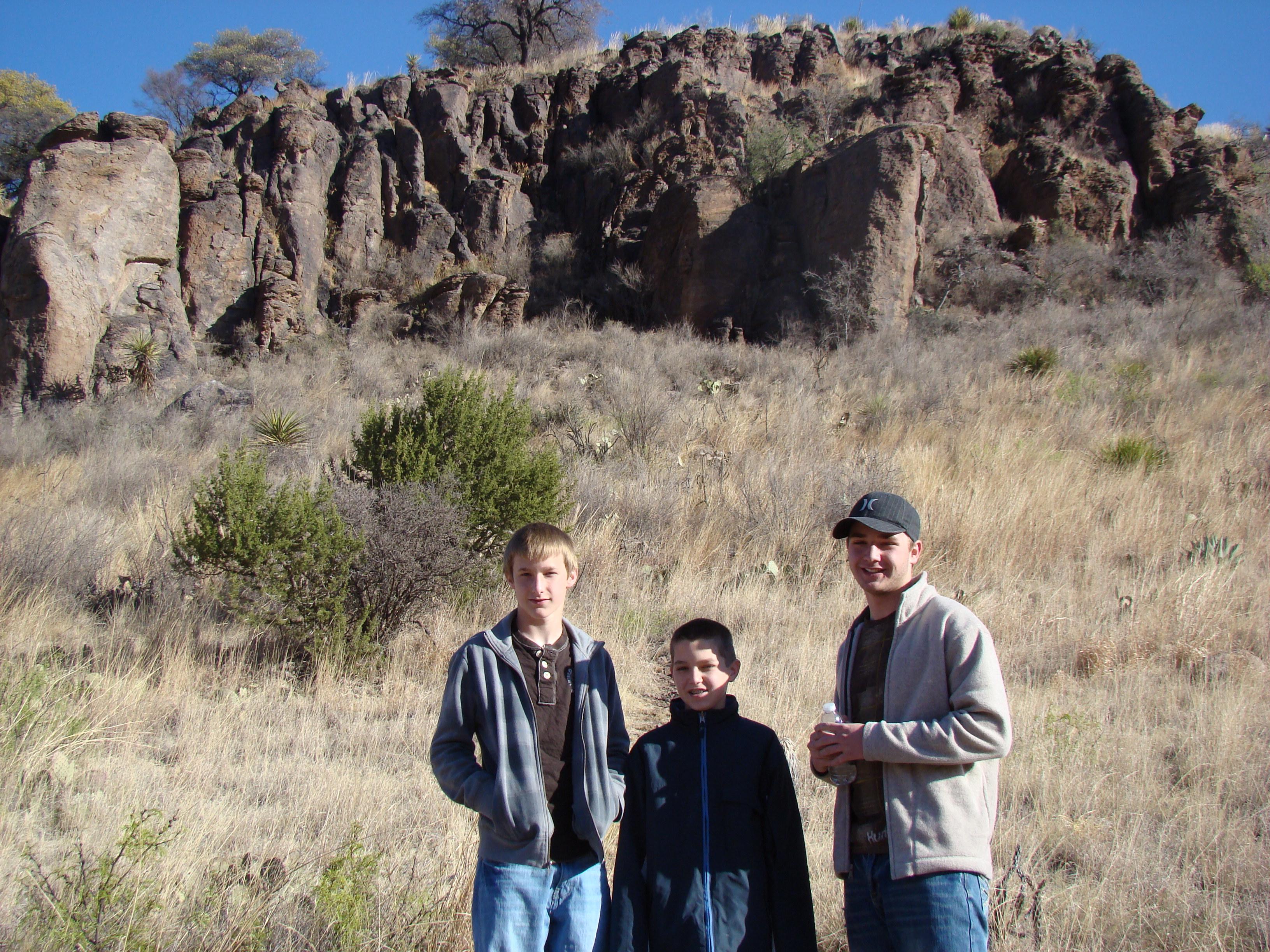 boys-at-mountain