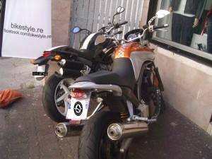 Cache nickel sur la Ducati de Franck