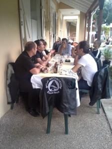 Le festin à la fin d'une bd d'Asterix? Non, juste le cari sanglier pour des riders cools, certes, mais affamés!