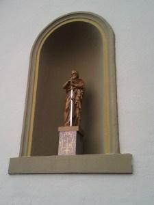 Certain saints en jettent plus que d'autres...
