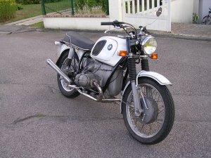 ced3la BMW R605 de 71 achetée à Orléans à un gars qui bossait en Chine