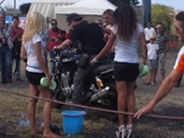 Pourquoi personne ne lave mon XJR comme cela?