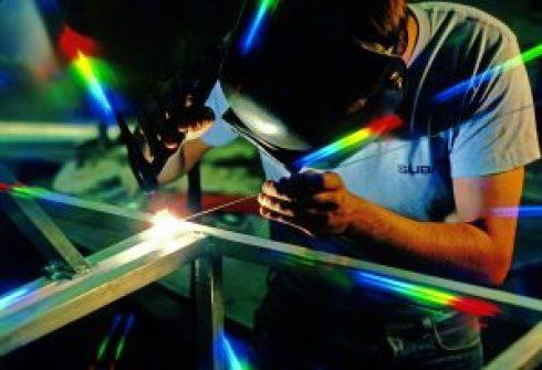 welder-3018425_1280-300x205