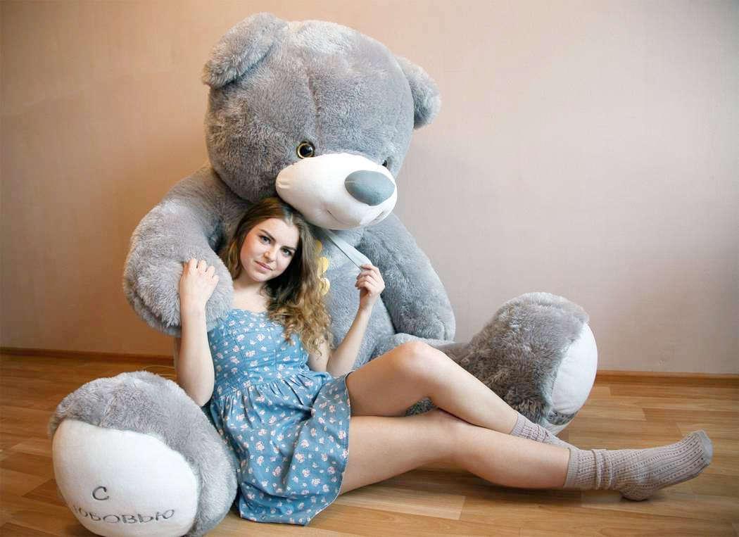 Фото с медвежонком плюшевым