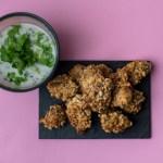 Hähnchen Nuggets mit Cashew Panade und Jogurtsauce