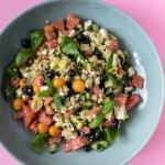 Wassermelonen Gurken Salat mit Feta, Früchten und Hanföl Dressing