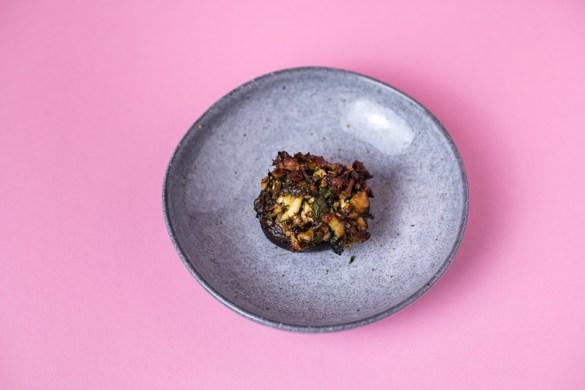 Überbackene Pilze mit Halloumi-Kräuter Füllung