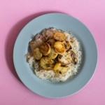 Geröstete Kümmel-Kartoffel auf Sauerkraut