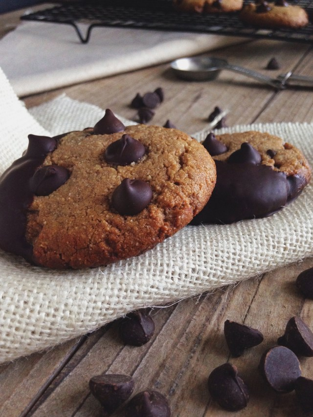 Paleo Chocolate Chip Dipped Crunch Cookies