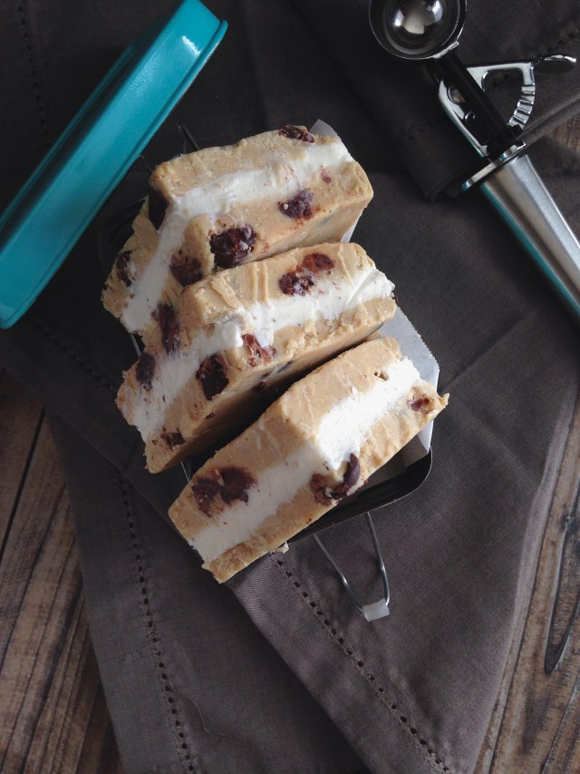 Cookie Dough Ice Cream Sandwhich 4