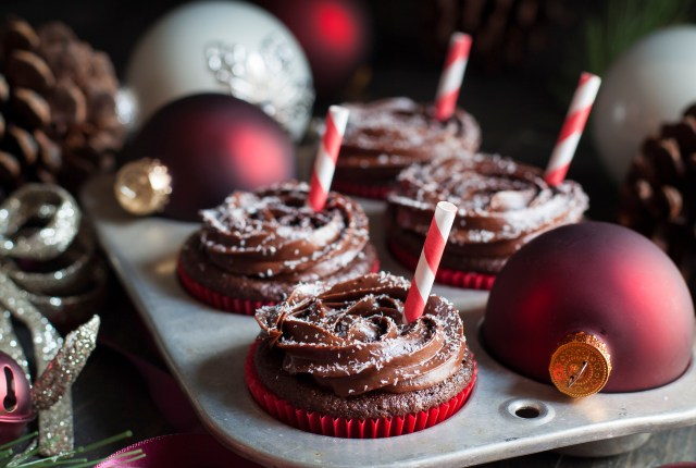 Paleo Peppermint Mocha Cupcakes
