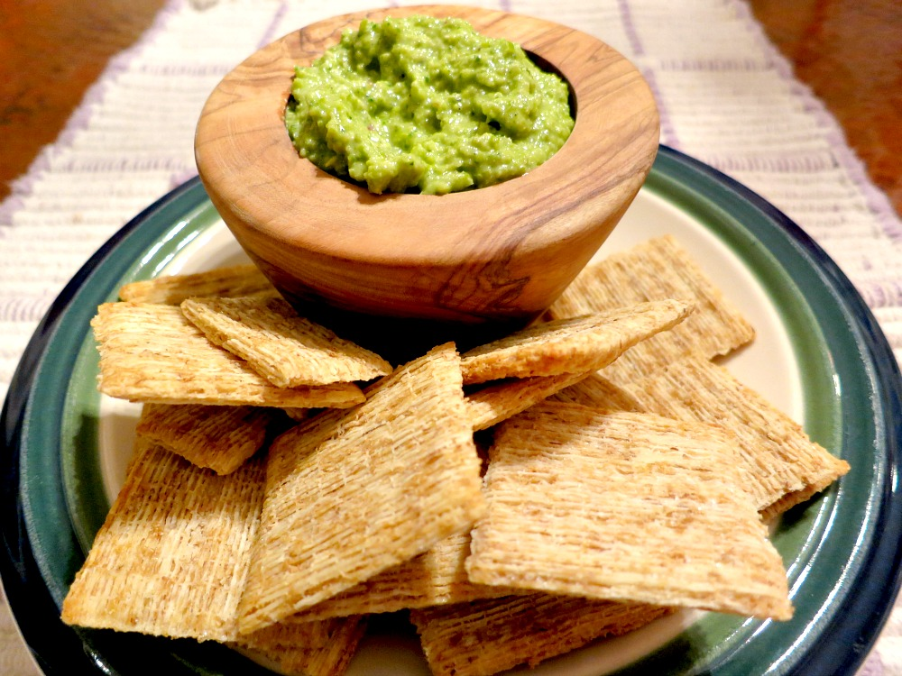 Asparagus Pesto and Wheat Crackers