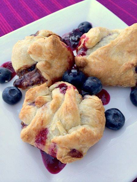Baked Brie Bites with Blueberry Sauce D