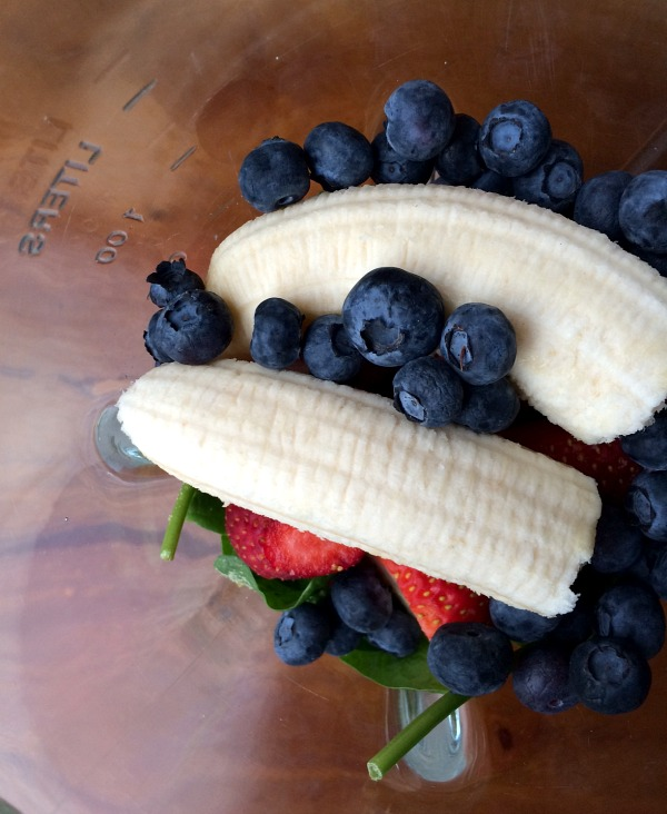 Sunday Morning Smoothie with Spinach, Blueberries, Strawberries, Banana and Pineapple B