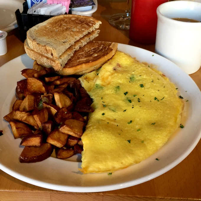 XYZ Tavern Brunch - Veggie Omelet, Toast and Potatoes