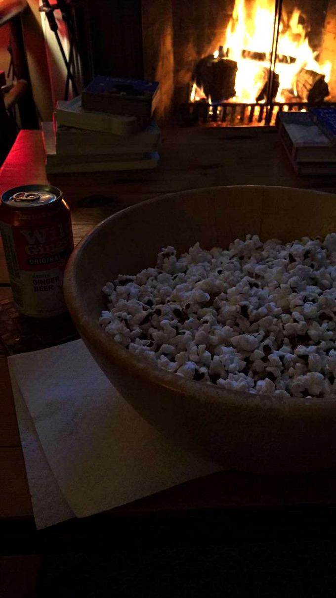 popcorn-and-ginger-beer-fireside