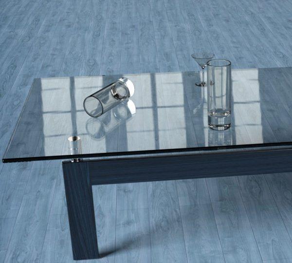 nanocoating glas met een glazen tafel