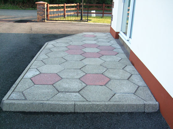 patio-thomas-after-560x420