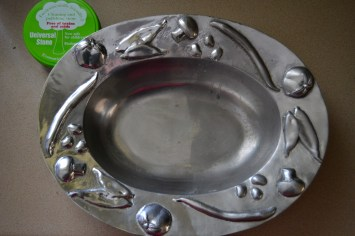 sparkling stainless steel bowl cleaned with Universal Stone