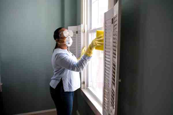 Get your windows to shine with Clean Rite Cleaning Services of Chicago, Corp.