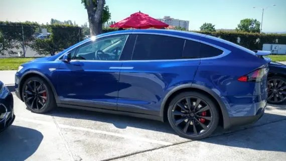 Tesla Model S P90D blue 2