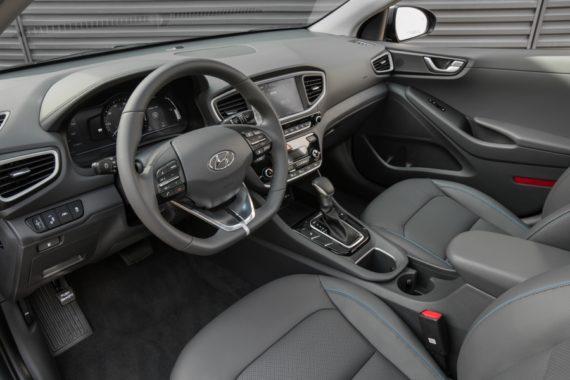 2017 Hyundai Ioniq Hybrid interior