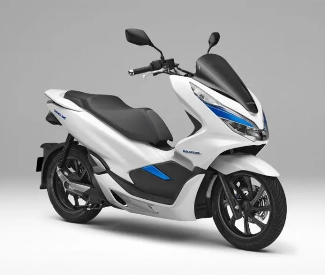 Honda Pcx Electric Scooter Uses Battery Swapping