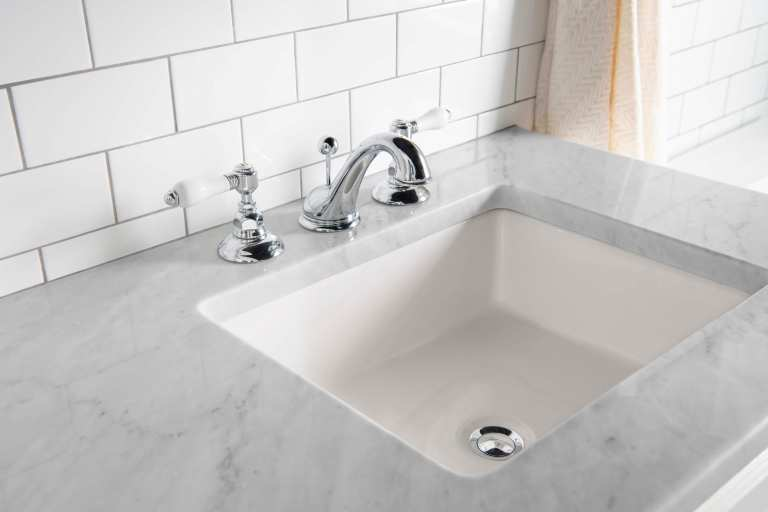 Farmhouse bathroom Sink/Faucet