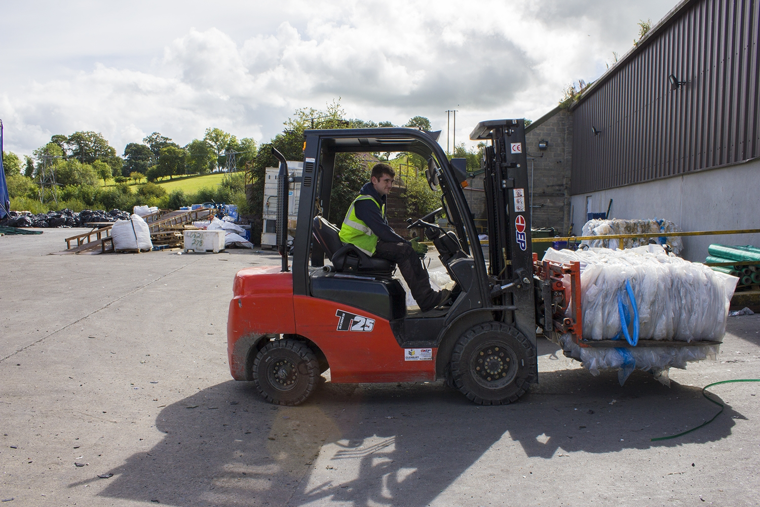 Clearlift-Forklifts-Ireland-ADN-Materials-001