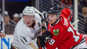 nhl_a_ducks_blackhawks_b1_576x324