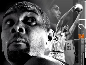 Tim-Duncan-Black-White-Wallpaper